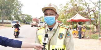 Lao Police Comment on Social Gatherings of Under Ten Persons (Photo: Lao Security News)