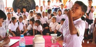School-based Deworming Program in Laos undertaken by WHO (Photo: WHO)