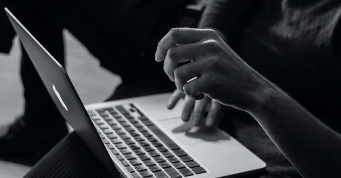 Laos sets up new regulations on cyberbullying