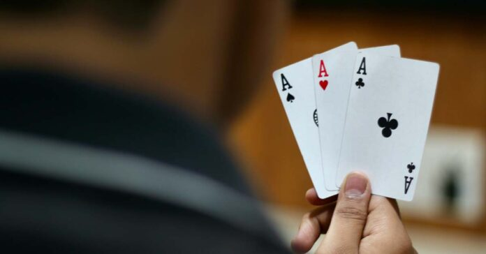 Police bust card game during lockdown