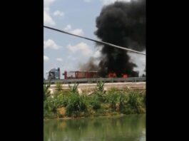 Truck catches fire on Vang Vieng Expressway