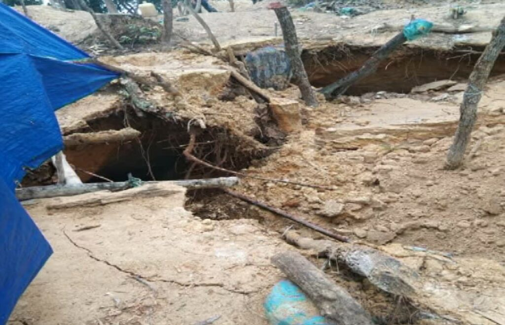 Illegal gold mine in Xieng Khouang Province