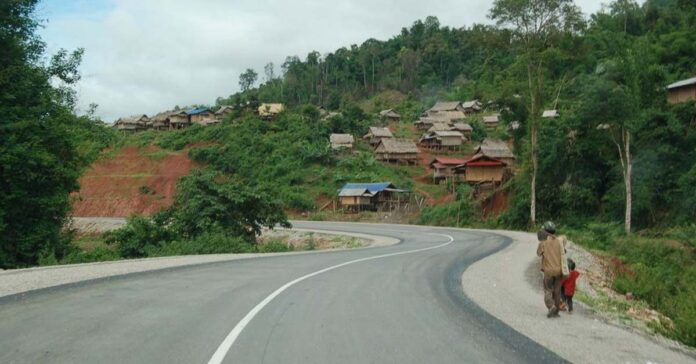 Road from Bokeo to Luang Namtha