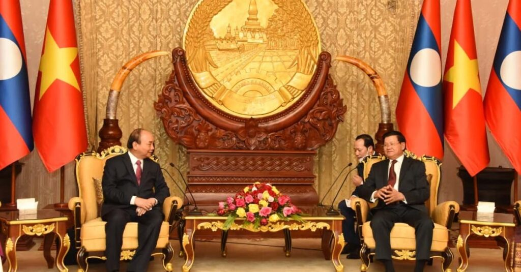 Laos and Vietnam sign 14 agreements on cooperation